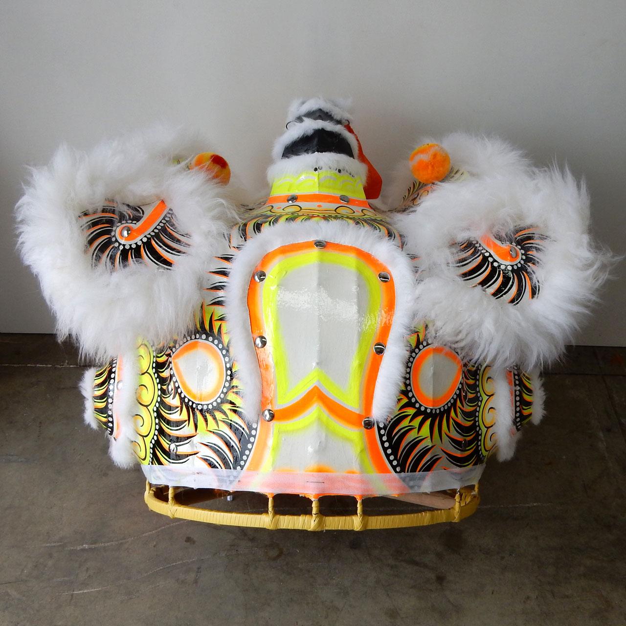 traditional-futhok-white-yellow-back